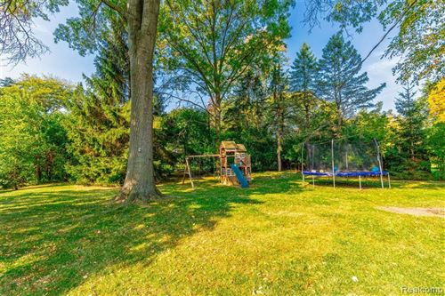 Tiny photo for 2852 COURVILLE DR, Bloomfield Hills, MI 48302-1019 (MLS # 40112263)
