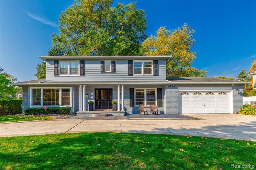 Photo for 2852 COURVILLE DR, Bloomfield Hills, MI 48302-1019 (MLS # 40112263)