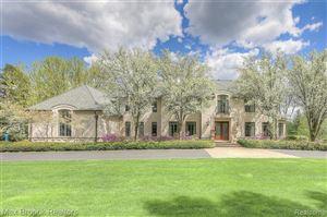 Photo of 372 BARDEN RD, Bloomfield Hills, MI 48304-2713 (MLS # 21574264)