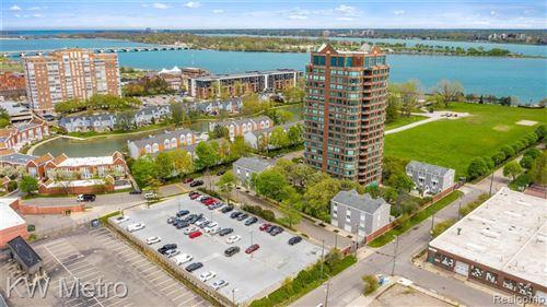 Tiny photo for 3320 SPINNAKER LN # 11/3F, Detroit, MI 48207-5032 (MLS # 40169264)