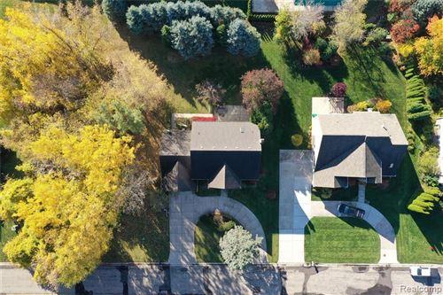 Tiny photo for 1956 BLOOMFIELD DR, Bloomfield Hills, MI 48302-0121 (MLS # 40123265)