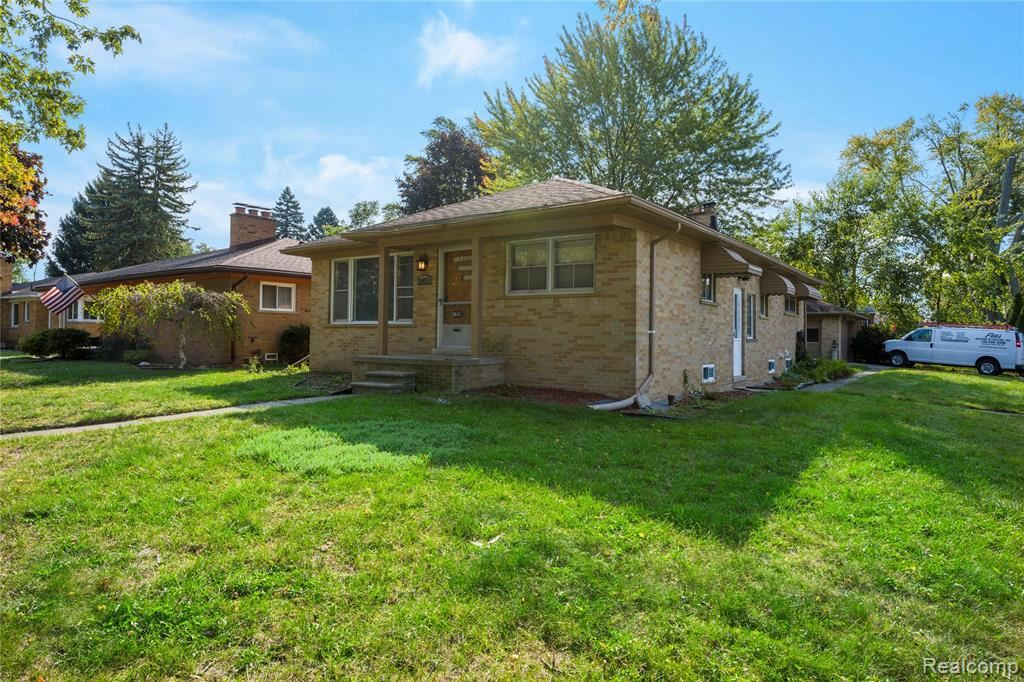 24651 ROUGE RIVER DR, Dearborn Heights, MI 48127-1765 - MLS#: 40102267
