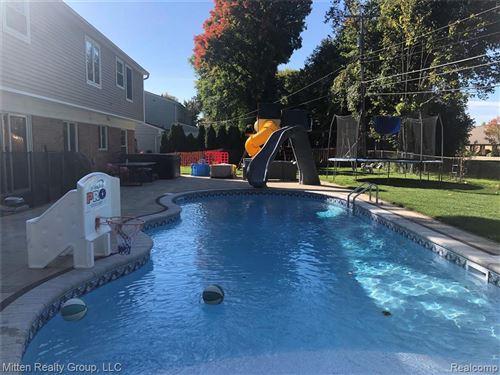 Tiny photo for 31153 W CHELTON DR, Beverly Hills, MI 48025-5146 (MLS # 40111268)