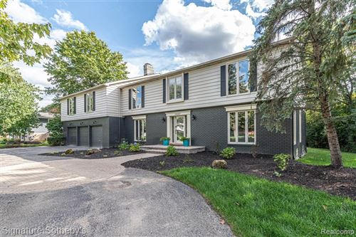 Photo of 19107 CHELTON DR, Beverly Hills, MI 48025-5213 (MLS # 40025269)
