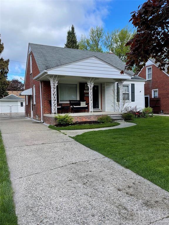 Photo for 3129 N BLAIR AVE, Royal Oak, MI 48073-3520 (MLS # 40184270)