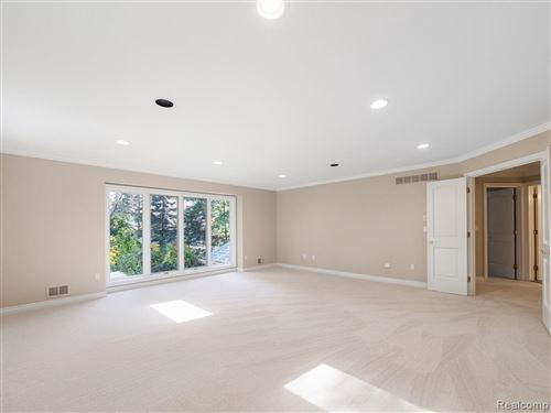 Tiny photo for 15 PINE GATE DR, Bloomfield Hills, MI 48304-2118 (MLS # 40135271)