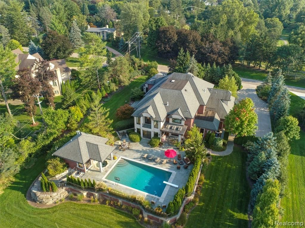 Photo for 790 FALMOUTH DR, Bloomfield Hills, MI 48304-3308 (MLS # 21509274)