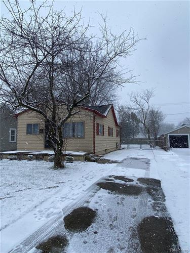 Photo of 22304 MAPLE ST, Saint Clair Shores, MI 48081-3742 (MLS # 40141275)