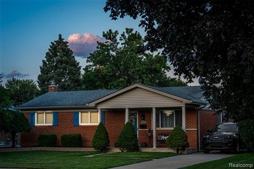 Photo of 40342 LAFAYETTE DR, Sterling Heights, MI 48313-3948 (MLS # 40229275)