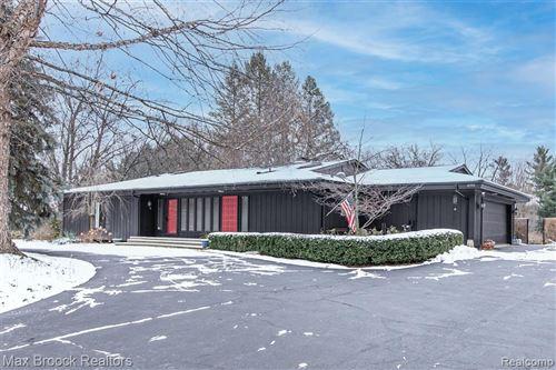 Photo of 4381 CHISHOLM TRAIL, Bloomfield Hills, MI 48301-3746 (MLS # 40132287)