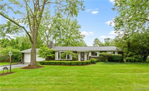 Photo of 218 WESTBOURNE DR, Bloomfield Township, MI 48301-3445 (MLS # 40203288)