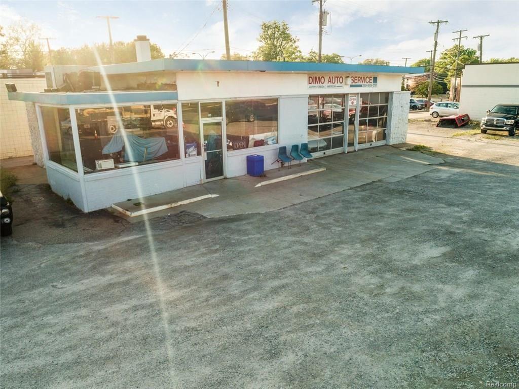 Photo for 1005 N MAIN ST, Royal Oak, MI 48067-1316 (MLS # 21450288)