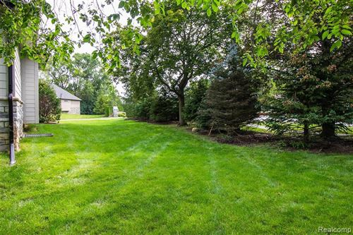 Tiny photo for 32800 CRIMSON CROSSING CRT, Beverly Hills, MI 48025-6100 (MLS # 40123289)