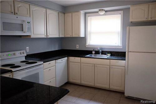 Tiny photo for 2046 YORKSHIRE RD, Birmingham, MI 48009-5916 (MLS # 40124291)