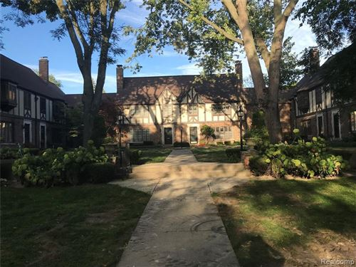Photo of 516 SAINT CLAIR, Grosse Pointe, MI 48230-1504 (MLS # 21661298)