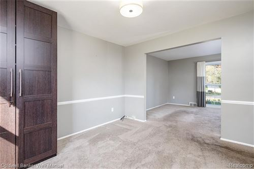Tiny photo for 30809 W LINCOLNSHIRE, Beverly Hills, MI 48025 (MLS # 40240304)