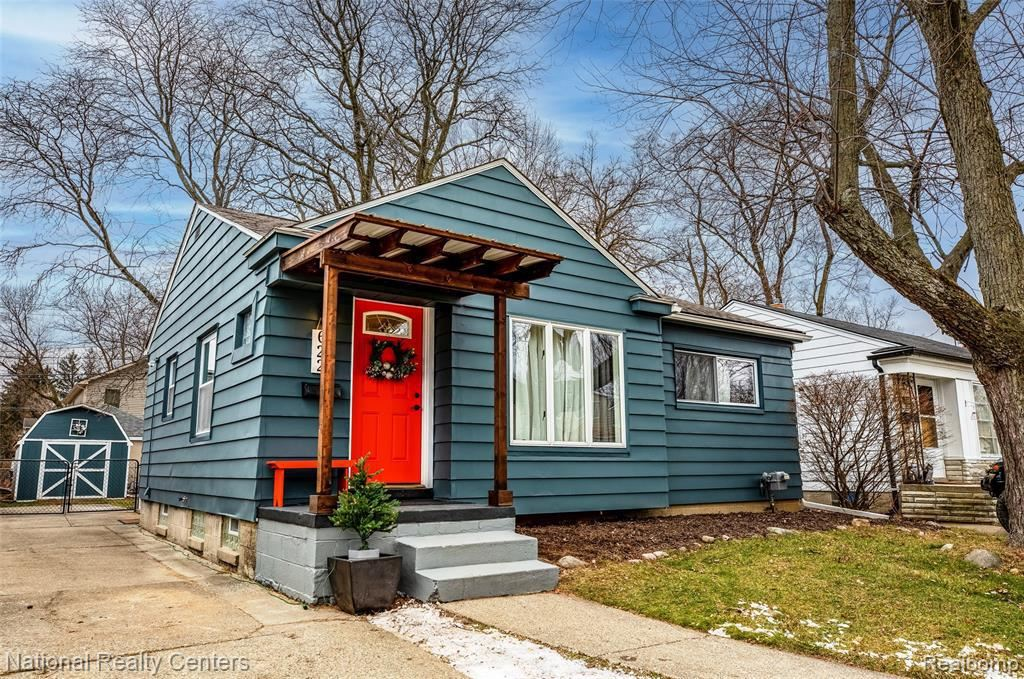 Photo for 622 MARLIN AVE, Royal Oak, MI 48067-1370 (MLS # 40136304)