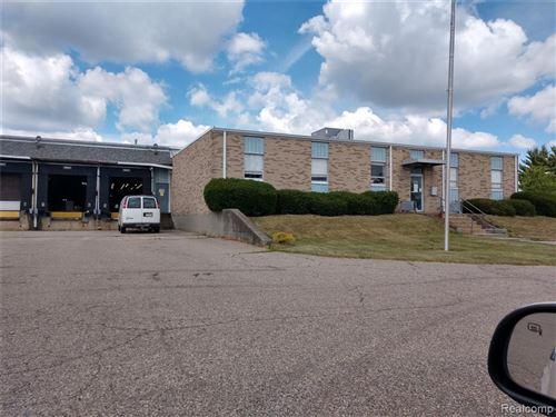 Photo of 1070 CLARK RD, Lapeer, MI 48446-3017 (MLS # 40071307)