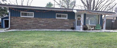 Photo of 1181 BURGOYNE BLVD, Rochester Hills, MI 48307-2505 (MLS # 40122307)