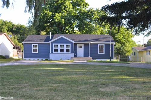 Photo of 4350 North River Rd, Fort Gratiot, MI 48059 (MLS # 50016315)
