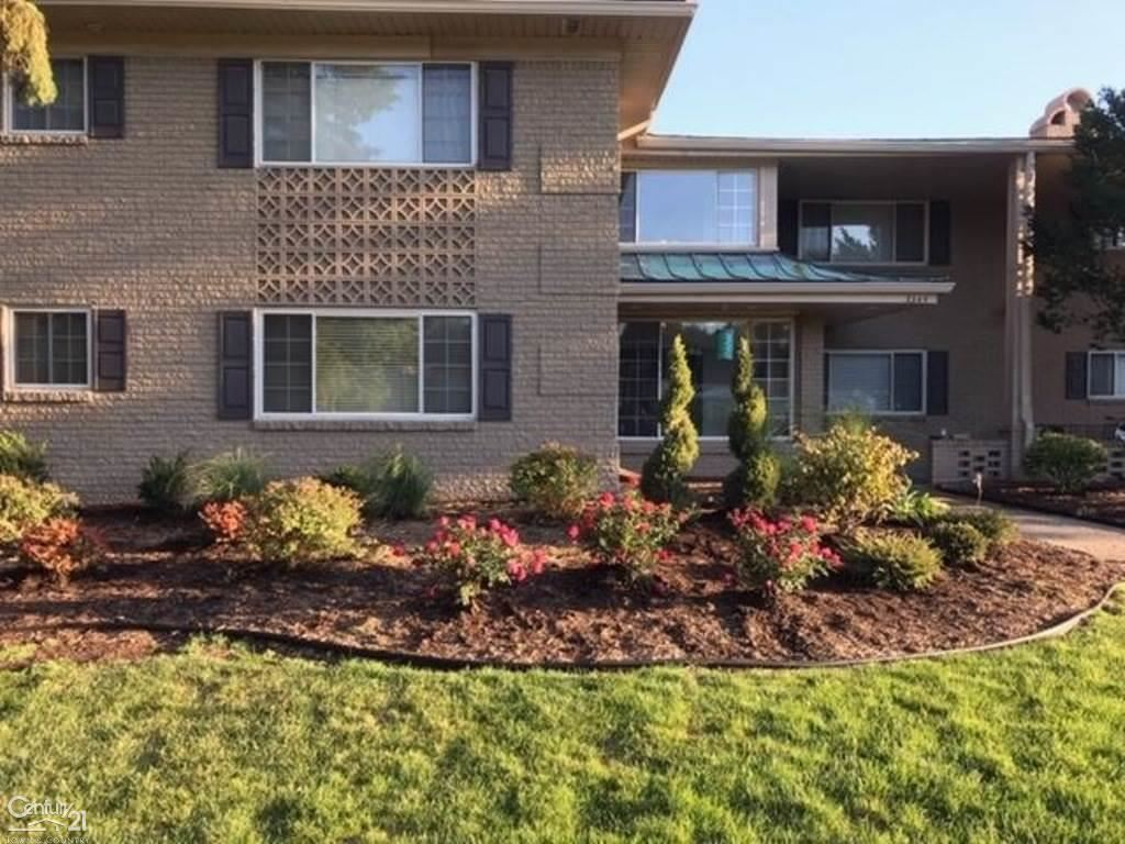 Photo of 2309 Walton Blvd, Rochester Hills, MI 48309 (MLS # 50003315)