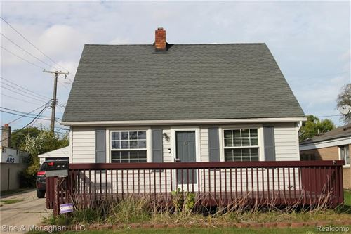 Photo of 21515 GRAND LAKE ST, Saint Clair Shores, MI 48080-1423 (MLS # 40149323)