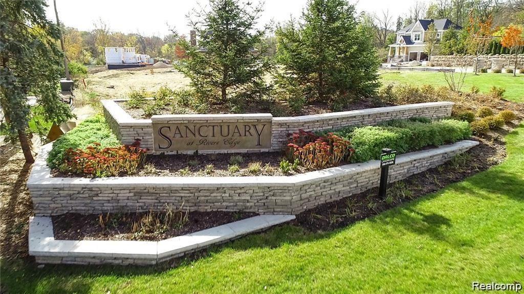 Photo of 542 FLORA VALLEY CRT, Rochester Hills, MI 48307- (MLS # 40015329)