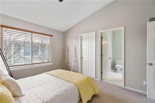 Tiny photo for 705 WASHINGTON PLACE DR, Royal Oak, MI 48067-1779 (MLS # 40147332)