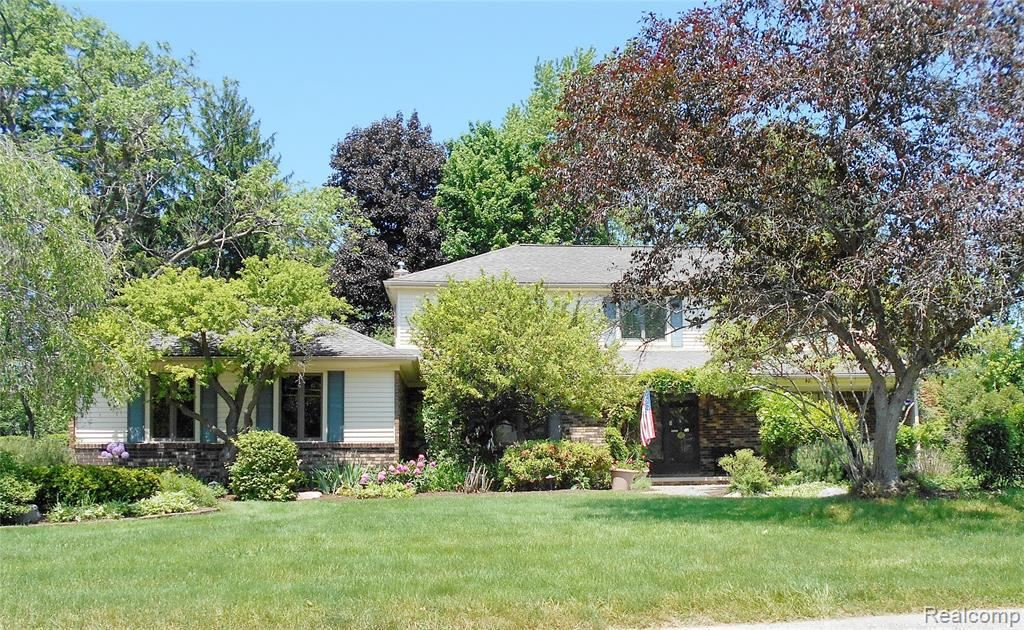 Photo for 20046 RONSDALE DR, Beverly Hills, MI 48025-3856 (MLS # 40061338)