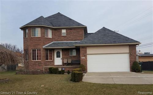 Photo of 2903 EASTERN AVE, Rochester Hills, MI 48307-5525 (MLS # 40007339)