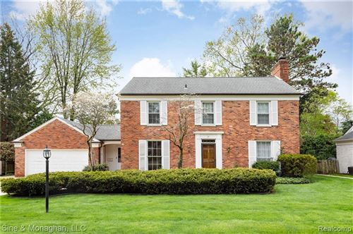 Photo of 39 DEMING LN, Grosse Pointe Farms, MI 48236-3742 (MLS # 40012341)