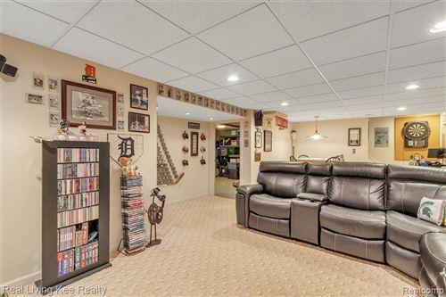 Tiny photo for 3012 GLENVIEW AVE, Royal Oak, MI 48073-3169 (MLS # 40170341)