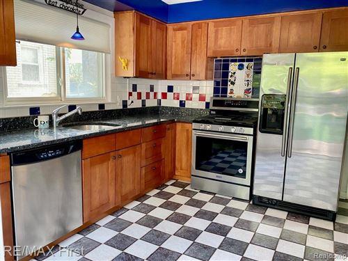 Tiny photo for 19 MAPLEFIELD RD, Pleasant Ridge, MI 48069-1019 (MLS # 40219341)