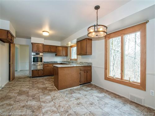 Tiny photo for 30166 E LINCOLNSHIRE, Beverly Hills, MI 48025-4744 (MLS # 40160346)