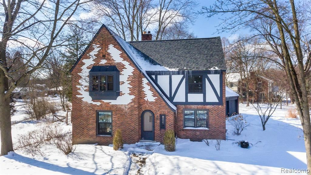 Photo for 18875 BEDFORD ST, Beverly Hills, MI 48025-3033 (MLS # 40160353)