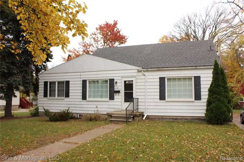 Photo of 3328 10TH AVENUE, Port Huron, MI 48060-2013 (MLS # 40115356)