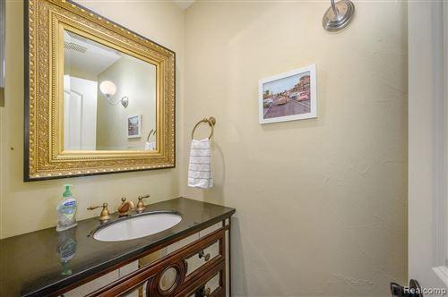 Tiny photo for 2 CAMBRIDGE BLVD, Pleasant Ridge, MI 48069-1103 (MLS # 40141356)