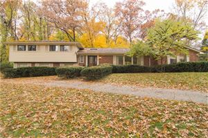 Photo of 4882 MALIBU DR, Bloomfield Hills, MI 48302-2251 (MLS # 21526360)