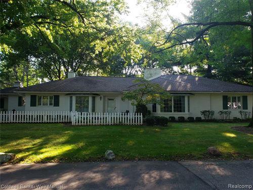 Photo of 6175 E SURREY RD, Bloomfield Hills, MI 48301-1651 (MLS # 40237360)