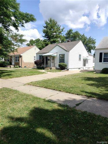 Photo of 18591 WOODSIDE ST, Harper Woods, MI 48225-2121 (MLS # 40098365)