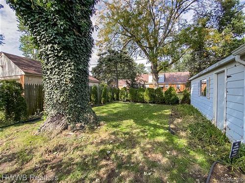 Tiny photo for 3006 BEMBRIDGE RD, Royal Oak, MI 48073-2991 (MLS # 40245368)