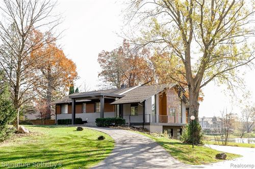 Photo of 6596 VALLEY SPRING RD, Bloomfield Hills, MI 48301- (MLS # 40128372)