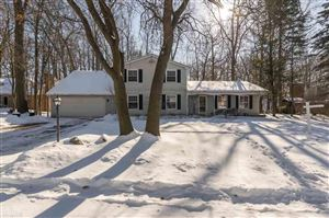 Photo of 3862 Pickford, Shelby Township, MI 48316 (MLS # 31369373)