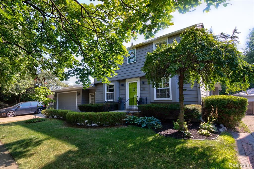 Photo for 15 MAPLEFIELD RD, Pleasant Ridge, MI 48069-1019 (MLS # 21639374)