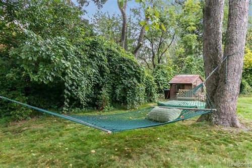 Tiny photo for 6330 HILLS DR, Bloomfield Hills, MI 48301-1933 (MLS # 40135376)
