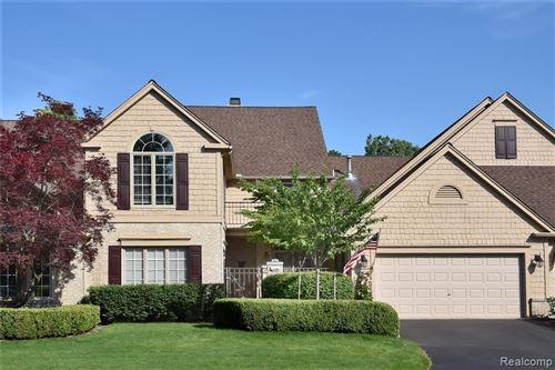 Photo of 535 CAMBRIDGE WAY, Bloomfield Hills, MI 48304-3817 (MLS # 40074378)