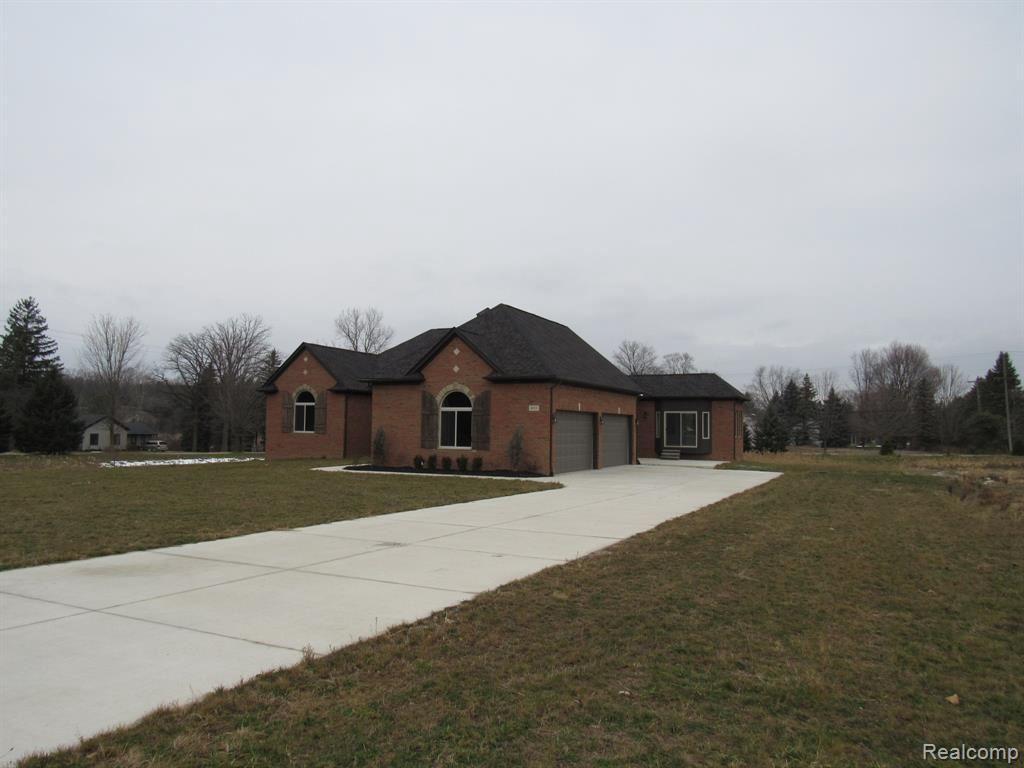 Photo of 8051 MORNINGSIDE, Romeo, MI 48065- (MLS # 21442382)