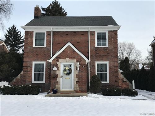 Photo of 1004 LINCOLN RD, Grosse Pointe, MI 48230-1208 (MLS # 40018383)