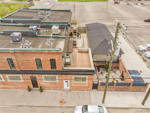 Photo of 6515 BEAUBIEN ST, Detroit, MI 48202 (MLS # 40171385)