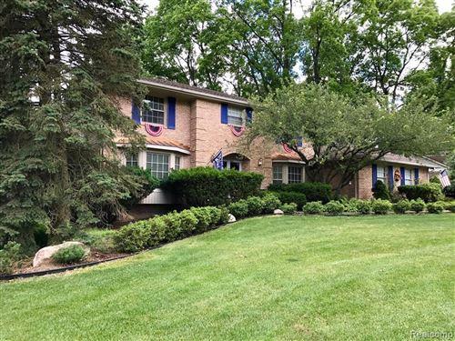 Photo of 1793 N KILBURN RD, Rochester Hills, MI 48306- (MLS # 40006386)
